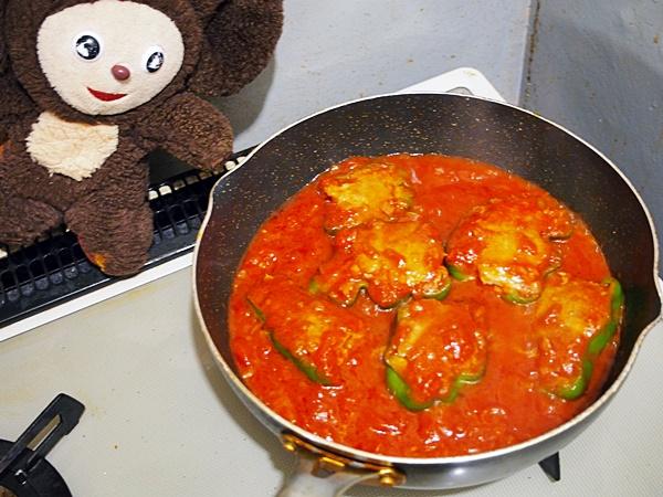 ピーマン肉詰めトマトソース煮 作り方