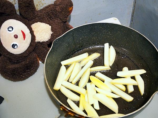 鶏肉とじゃがいものカレー炒め 作り方