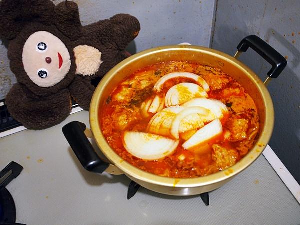 豚肉団子のキムチ鍋 作り方