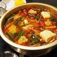 豚肉団子のキムチ鍋