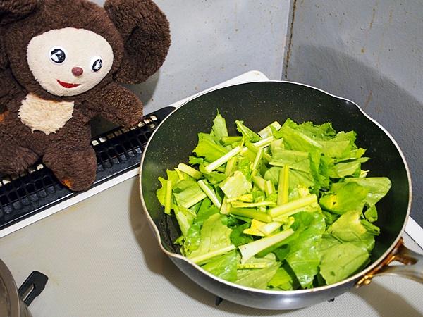 カブと豚肉の炒め煮 作り方