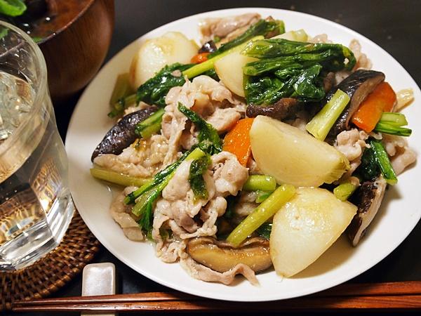 カブと豚肉の炒め煮