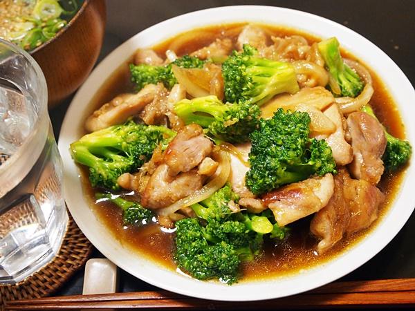 鶏肉とブロッコリーの焼肉風炒め