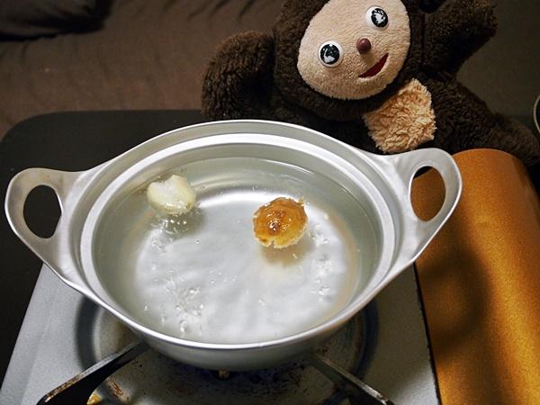 鶏のニンニク入り水炊き