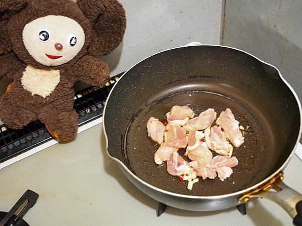 鶏肉と玉ねぎの焼きうどん 作り方