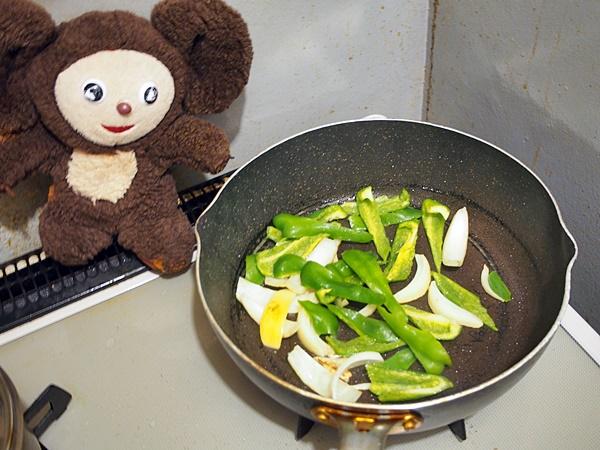 ピーマンと豚肉のあんかけ焼きそば 作り方