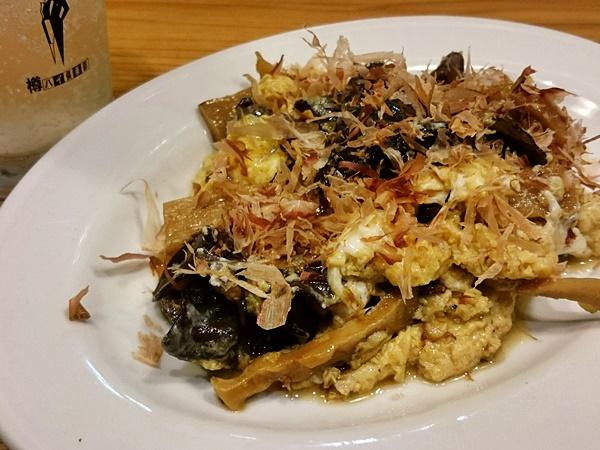 博多食堂・濃麻呂 キクラゲ卵炒め