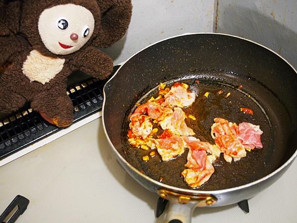 豚肉とチンゲン菜のしょうゆ焼きそば 作り方