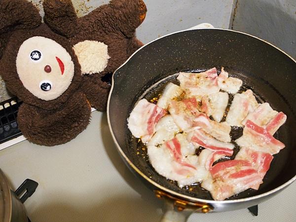 あさりとキャベツ・豚肉のペペロン酒蒸し 作り方