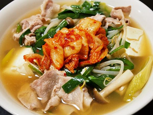 豚肉と豆腐のキムチ吸物