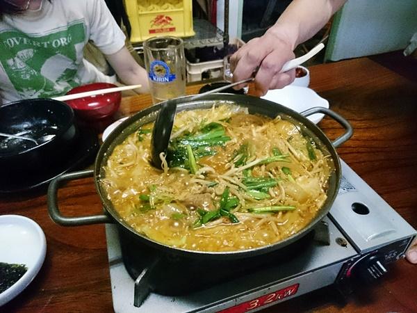 シオン ホルモン鍋
