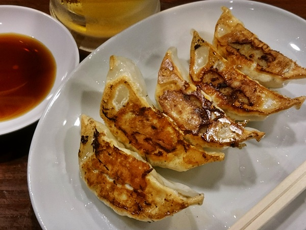 麺王 餃子