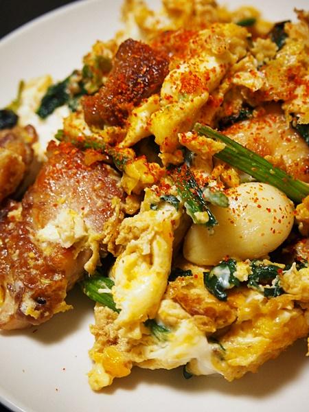 鶏肉とほうれん草の卵炒め
