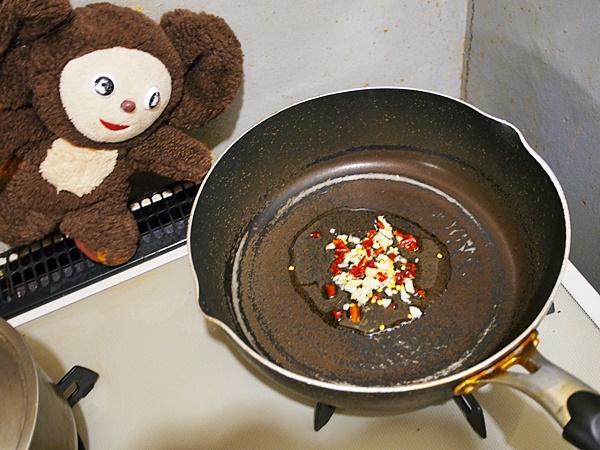 ゴーヤとトマトのペペロン炒め 作り方