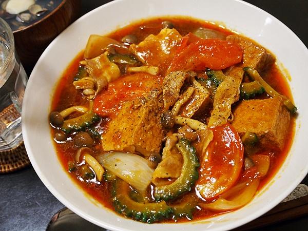 ゴーヤとトマトの家常豆腐