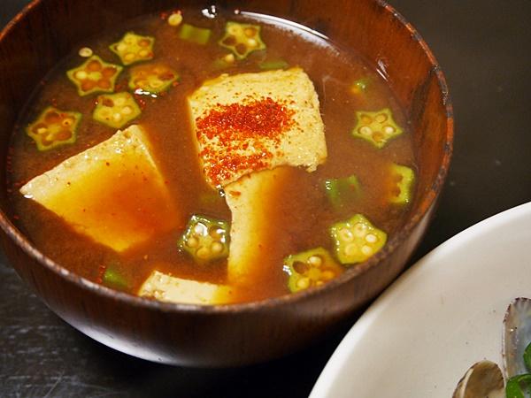 オクラと豆腐の赤だし