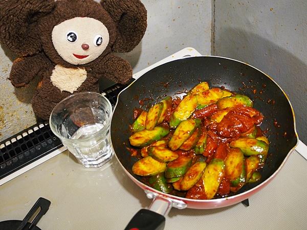 キュウリと卵・豚肉のピリ辛炒め 作り方