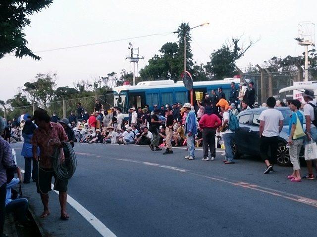 高江メインゲート前抗議