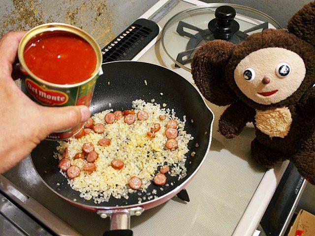 トマト缶とウインナーのリゾット 作り方