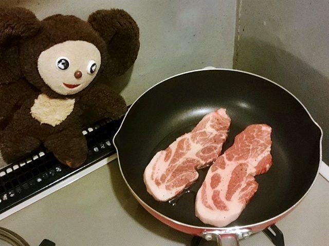 豚ソテーの梅ガーリックソースがけ 作り方