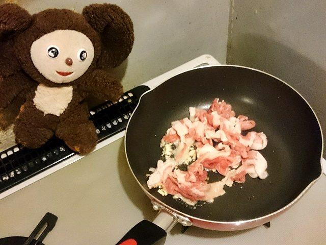 豚肉とニラのしょうゆ焼きそば 作り方